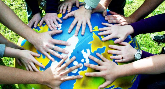 Interkulturelle Kompetenz sorgt als Schlüsselqualifikation für ein erfolgreiches Miteinander im Sport.